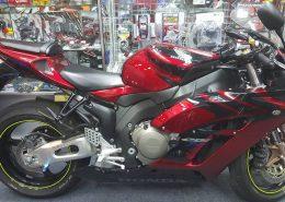 HONDA-CBR1000RR-2005-03